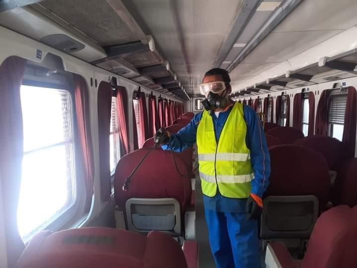 ;السكة الحديد; تواصل تطهير وتعقيم المحطات والقطارات لمنع انتشار كورونا