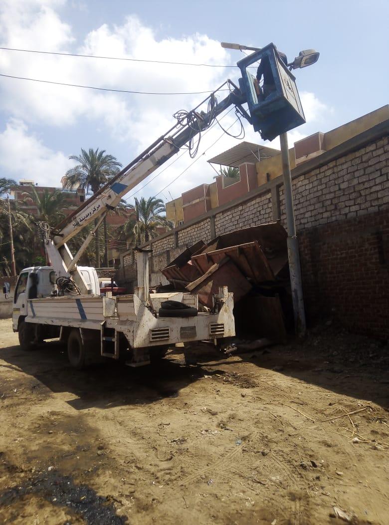 رفع كفاءة الإنارة بمركز  بيلا  وإصلاح خط المياه العكرة بقرية  الجرايدة