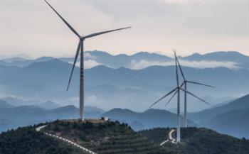 الصين تفتتح أكبر سوق في العالم لتداول حصص انبعاثات الكربون