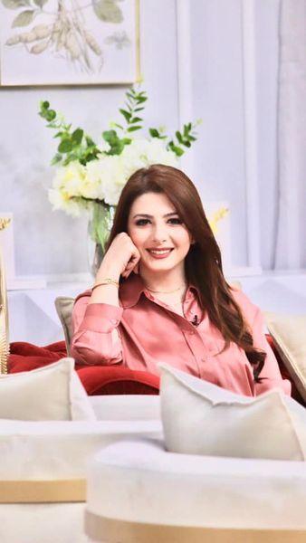 الإعلامية الأردنية كاثى فراج مذيعة برنامج بيت للكل