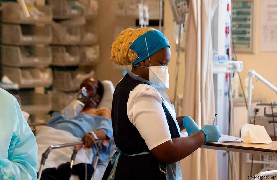 جنوب إفريقيا تسجل  إصابة بكورونا و وفاة خلال  ساعة