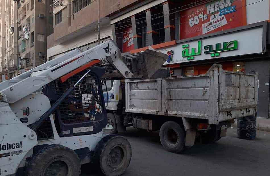 حملة لنظافة شوارع حي غرب مدينة نصر