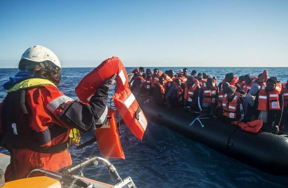 القوات البحرية التونسية تحبط محاولة  شخصًا الهجرة غير الشرعية