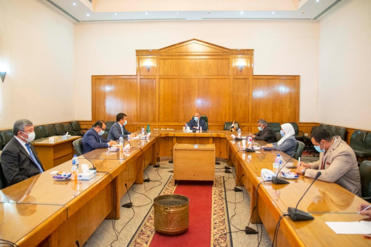 وزير الري يستقبل مدير عام المنظمة الإسلامية للأمن الغذائي