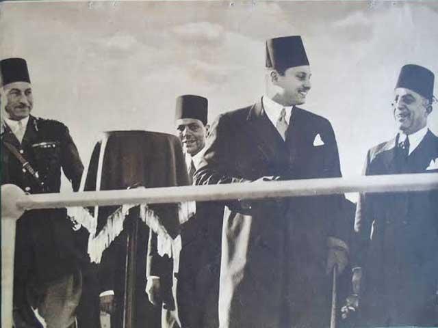 الملك فاروق وحسين باشا سري