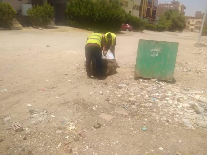 أعمال النظافة ورفع المخلفات