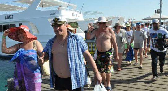 السياحة تحذر غير الملتزمين الزائر الخفي يراقب الإجراءات الاحترازية بالفنادق