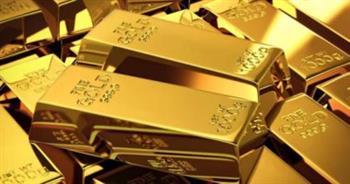 الذهب-يرتفع--وفي-طريقه-لخسارة-أسبوعية-مع-انتعاش-الدولار