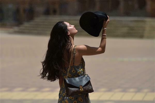 إسبانيا تسجل حرارة قياسية بلغت  درجة مئوية