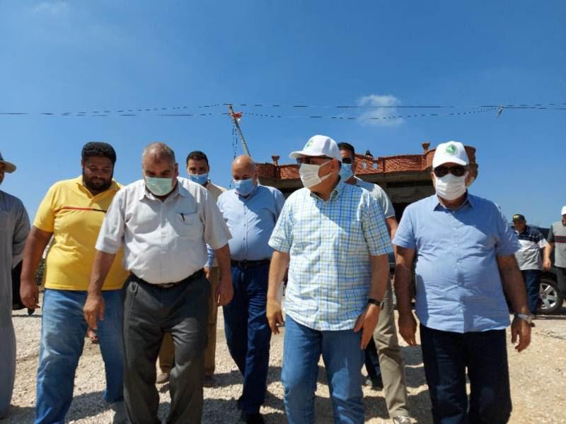محافظ الشرقية يتفقد أعمال إنشاء مجمع زراعي البكارشة