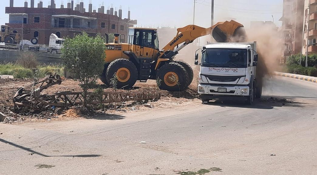 الجيزة تواصل حملات النظافة في الأحياء والمراكز