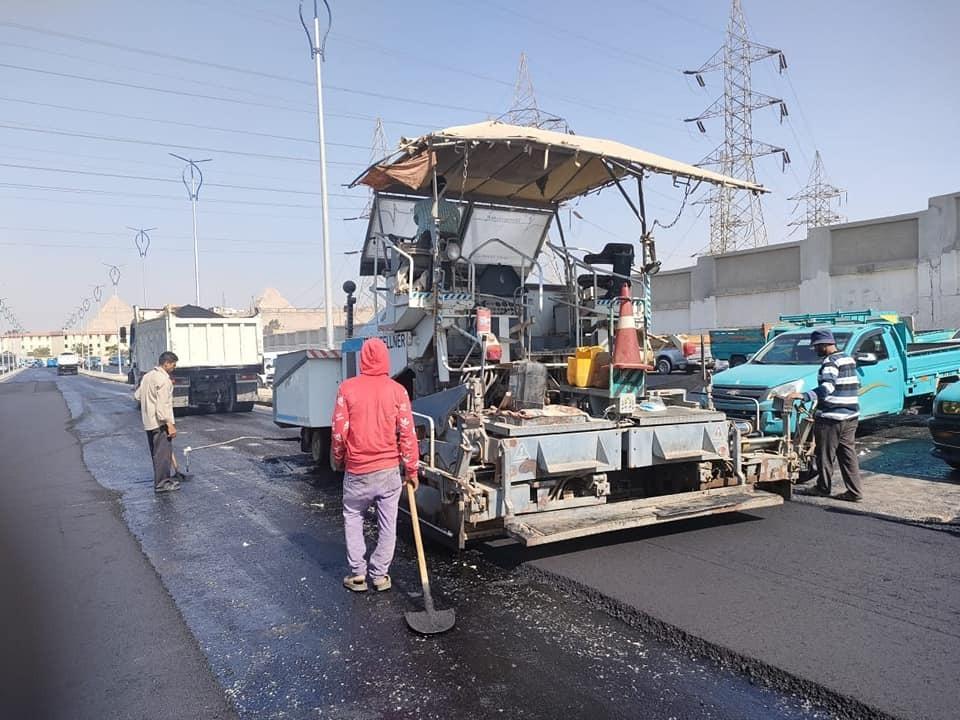 محافظة الجيزة تعلن استكمال أعمال رصف طريق التجنيد بالهرم |صور