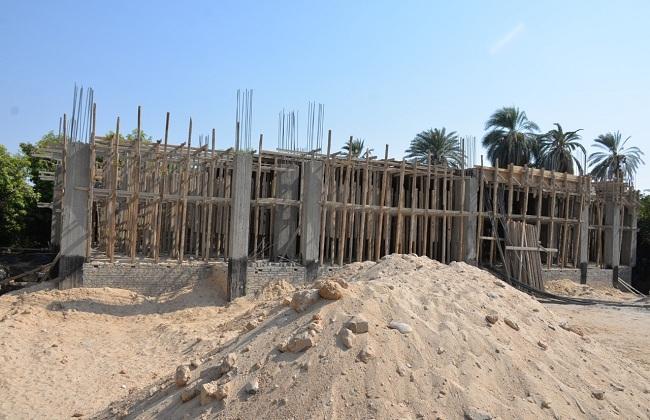 موقع إنشاء مدرسة للتعليم الإساسي وموقع إنشاء معهد أزهري بقرية الرياينة