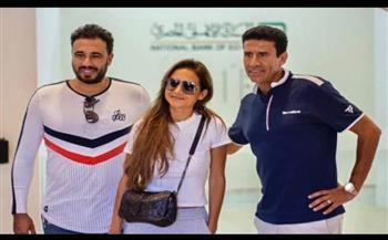نيللي كريم برفقة خطيبها في البطولة العربية للاسكواش |صور