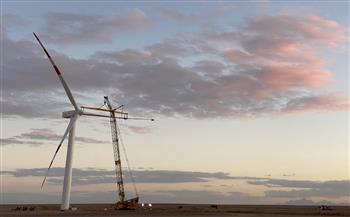 ينتج ٢٥٠ ميجاوات.. بدء تشغيل أول 20 توربينا من مشروع غرب بكر لطاقة الرياح