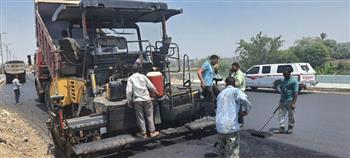 محافظ الشرقية يتفقد أعمال الرصف وتطوير طريق أبو حماد الزقازيق   صور
