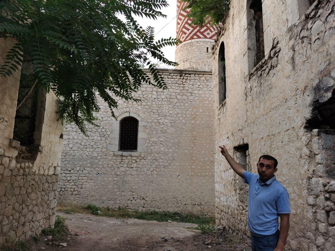 علي حازييف مدير العلاقات الدولية باللجنة المركزية لشئون الأديان بدولة أذربيجان