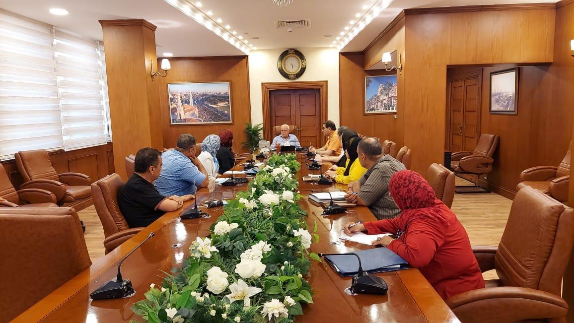 محافظ بورسعيد يناقش ربط المحافظة بمحور  يونيو |صور