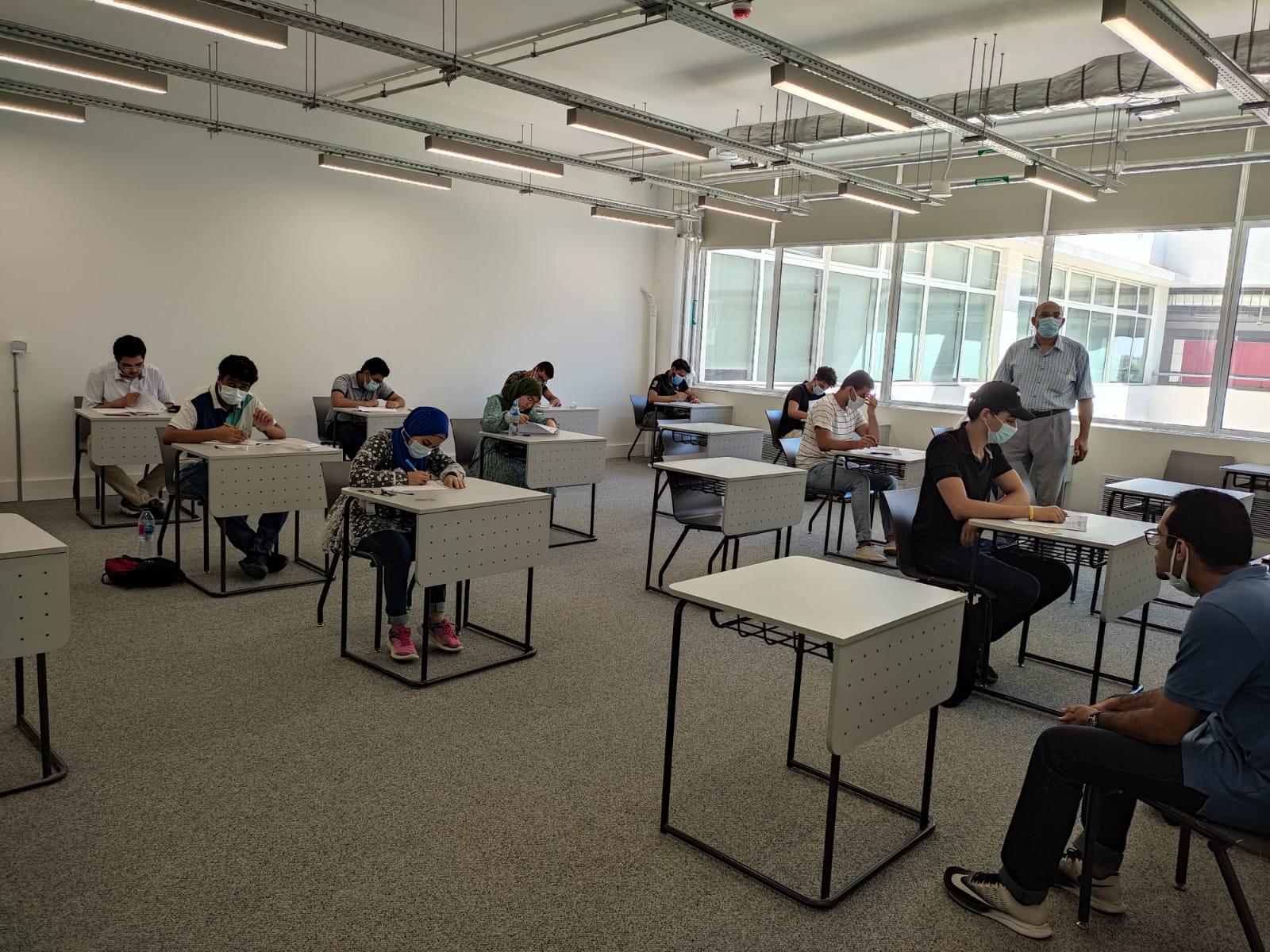 بدء اختبارات القبول بالجامعة المصرية اليابانية وسط إجراءات احترازية  صور