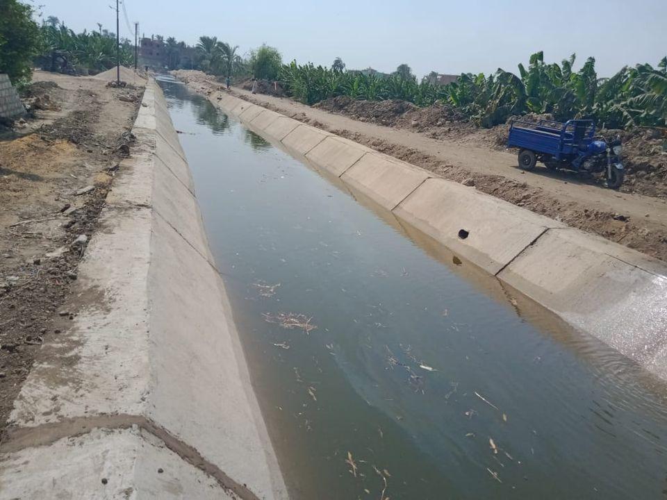 يضمن التوزيع العادل للمياه الانتهاء من المرحلة الأولى لتبطين الترع في سوهاج نهاية يونيو    صور