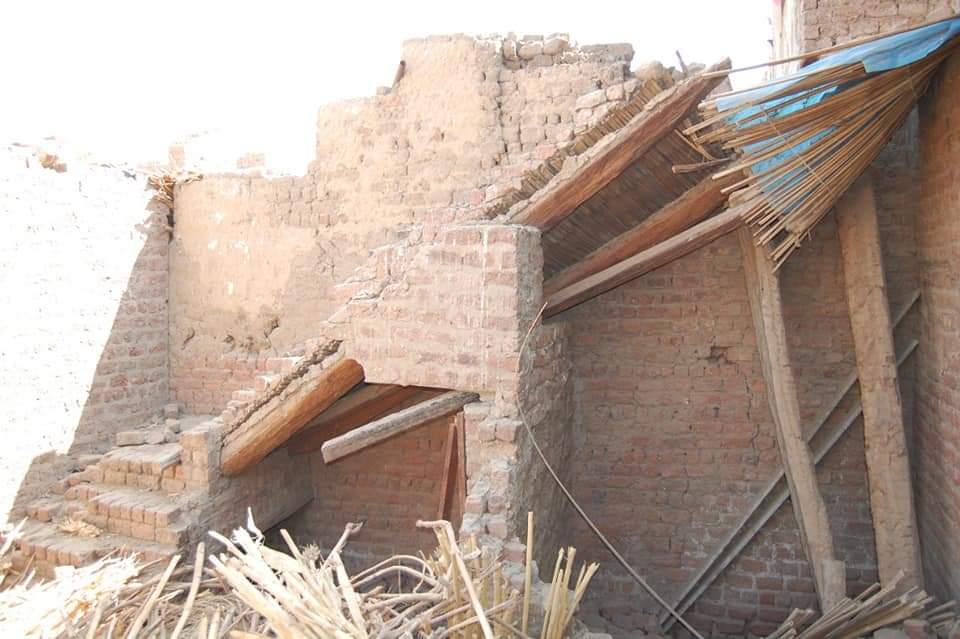 محافظ سوهاج يوجه ببناء المنزل المنهار لأسرة من 5 أفراد بعرب التنبكية بأخميم