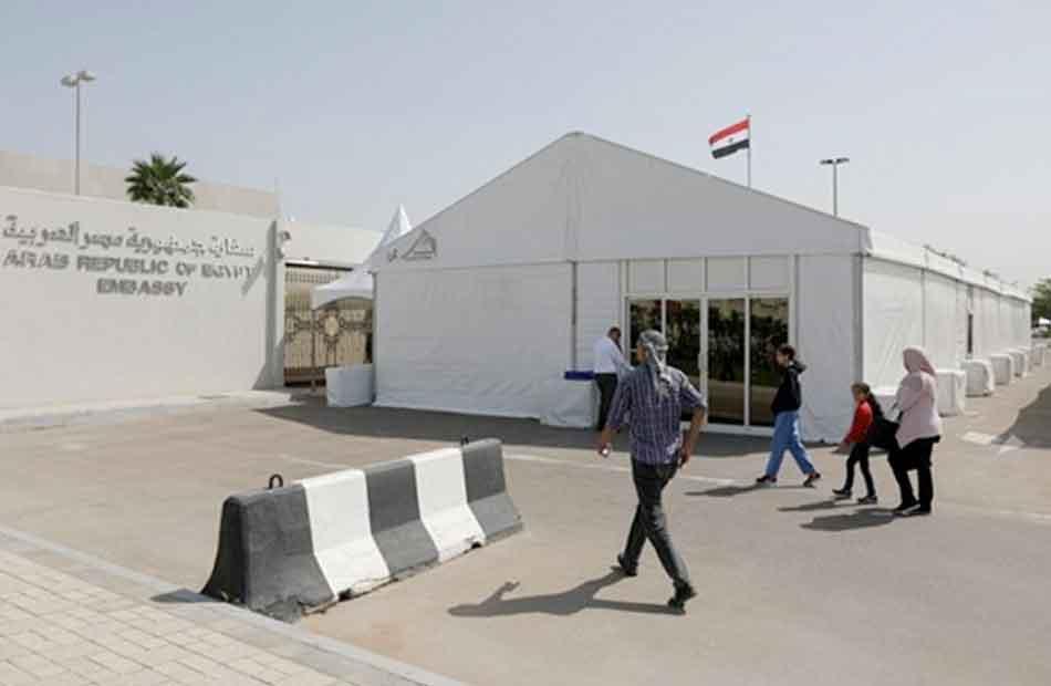 سفارة مصر فى أبو ظبى تبرز الأوراق المطلوبة للتصديق على تأشيرات العمل