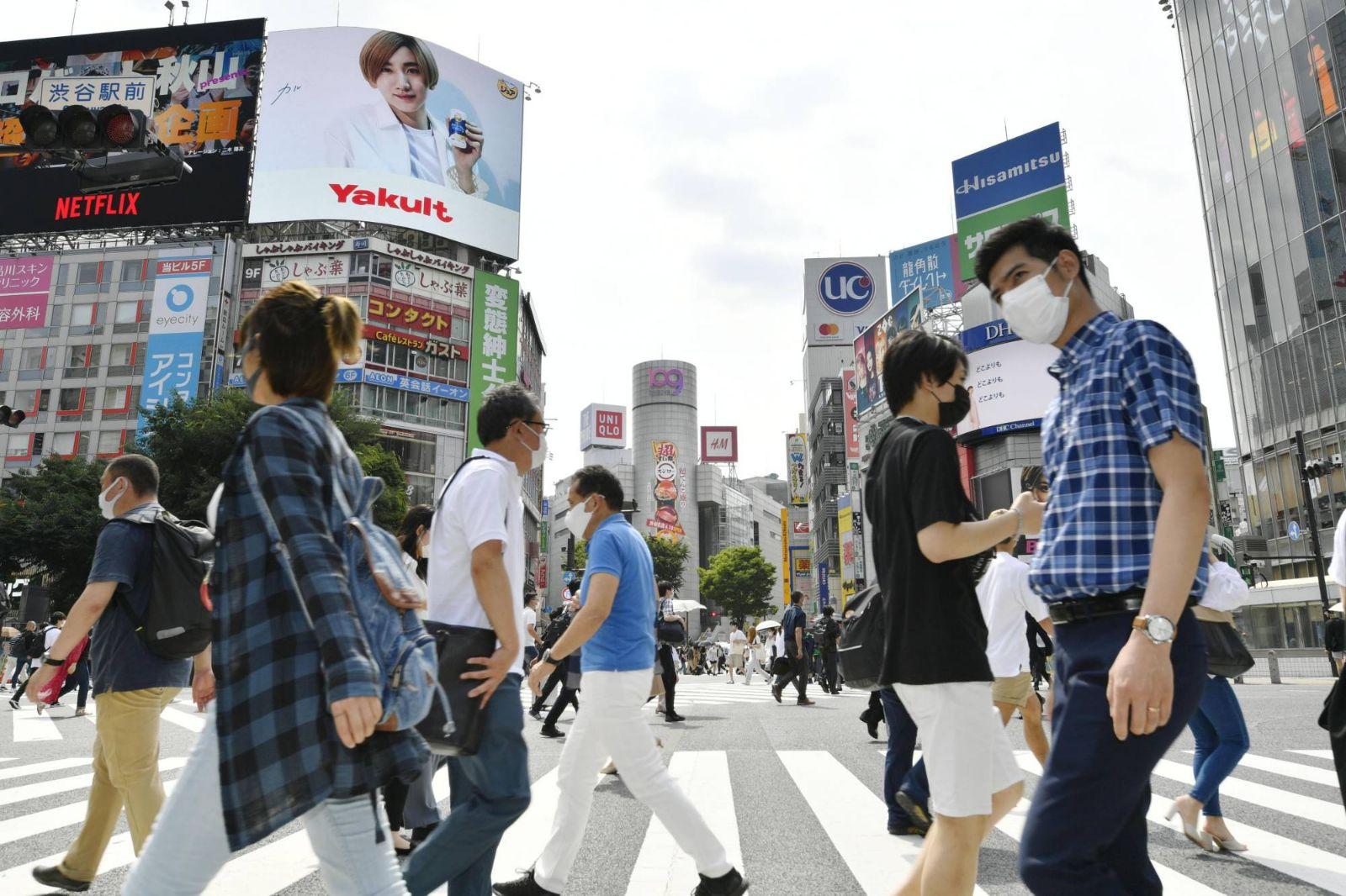 اليابان تخطط لإعطاء جرعات معززة من لقاحات كورونا