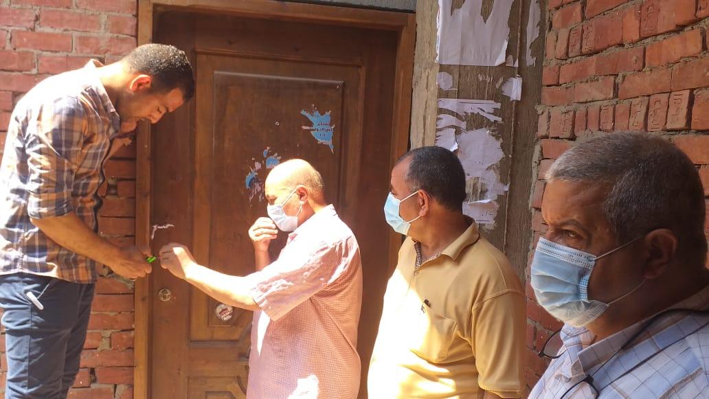 غلق وتشميع  مراكز للدروس الخصوصية في الحسينية بالشرقية| صور