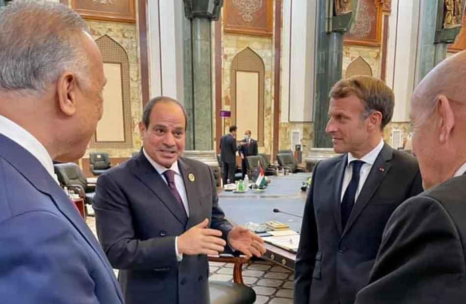 الرئيس السيسي يلتقي ماكرون في بغداد