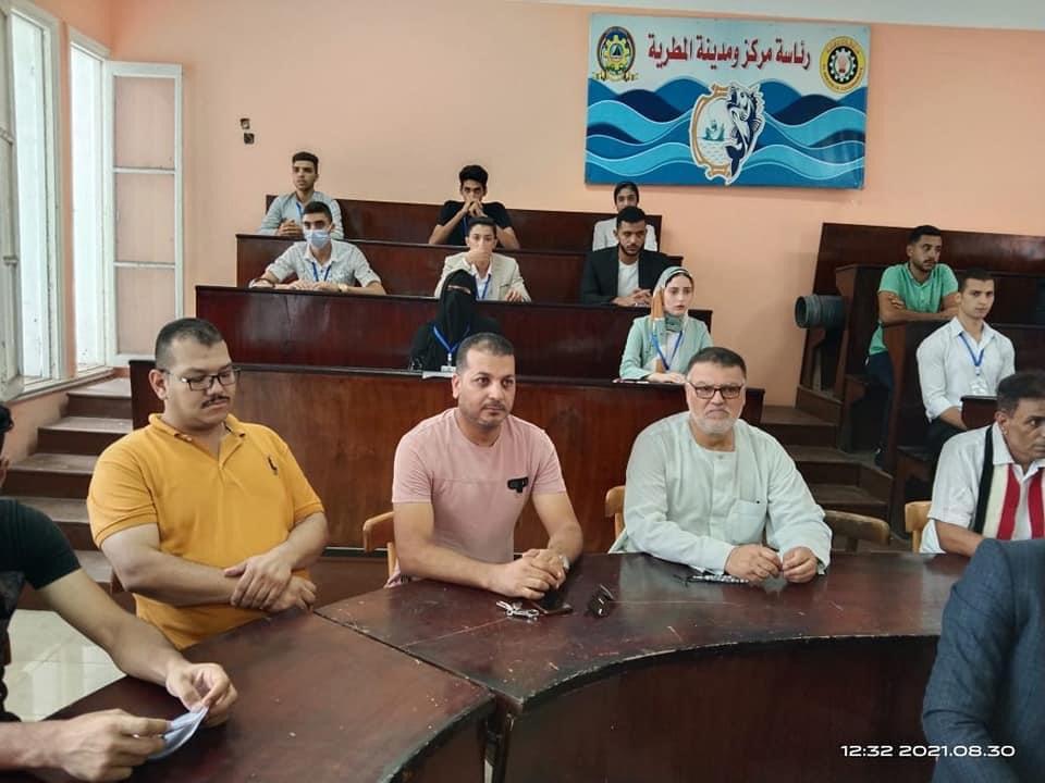 عقد جلسة برلمان الشباب برئاسة مجلس ومدينة المطرية
