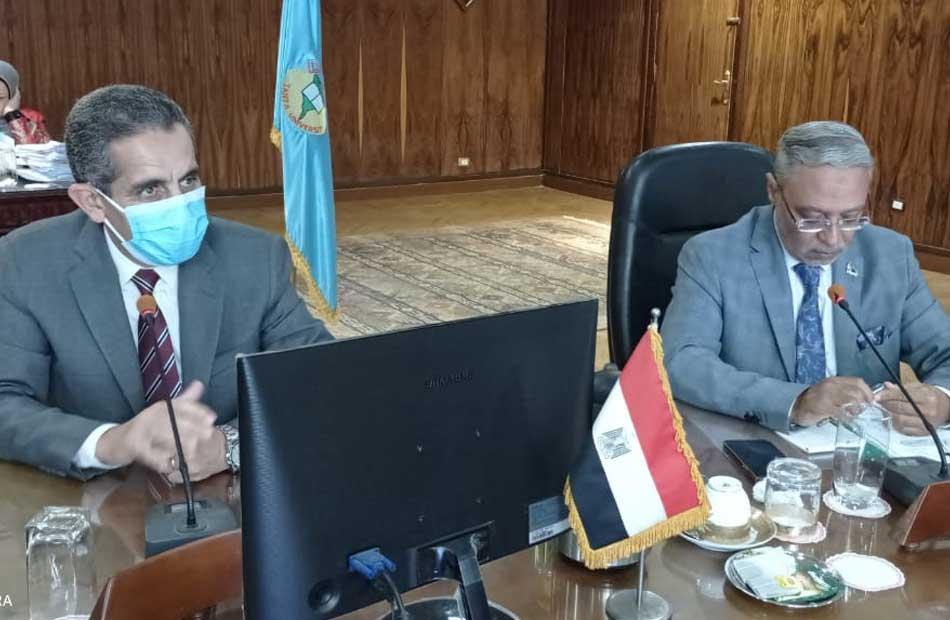 رئيس جامعة طنطا حظر تداول الكتب الورقية في العام الدراسي الجديد| صور