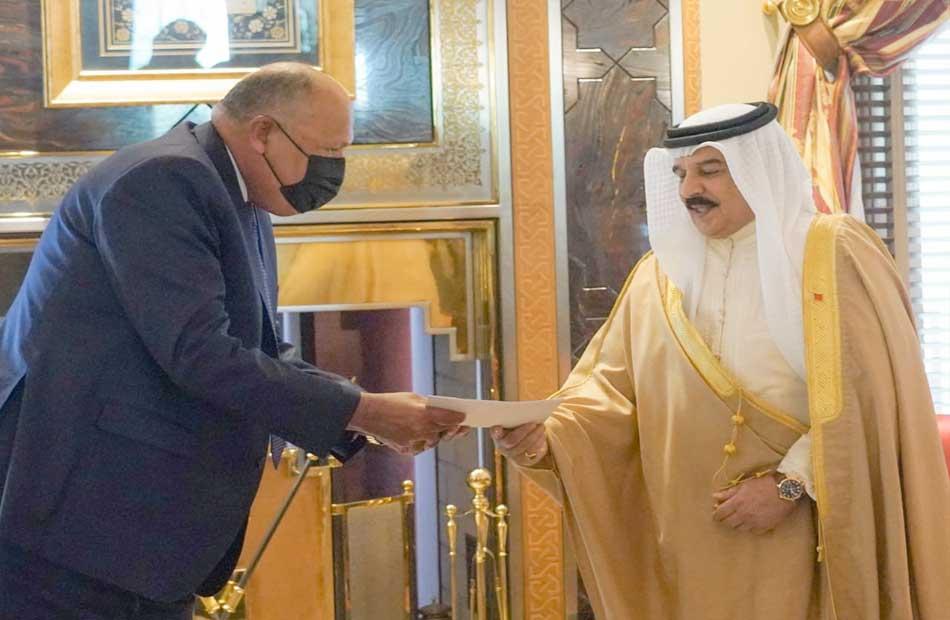 ملك البحرين يشيد بدور مصر كركيزة أساسية للاستقرار في المنطقة