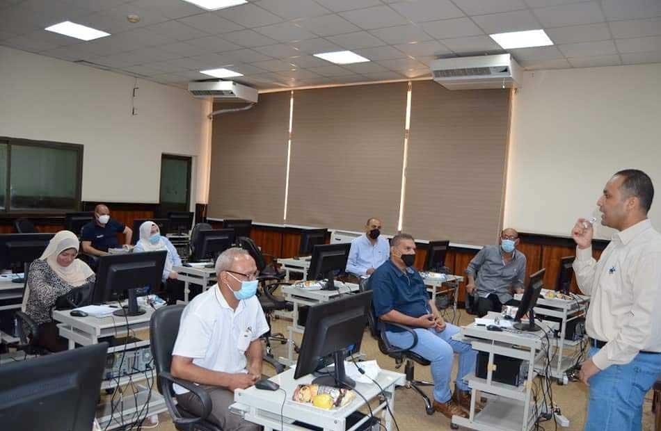 مركز التدريب بـ  الري  ينفذ برنامجا حول أساسيات استخدام الحاسب الآلي لمجموعتين