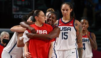 أمريكا-تتوج-بالذهبية-الأولمبية-في-كرة-السلة-للسيدات-للمرة-السابعة-على-التوالي-بدورة-طوكيو
