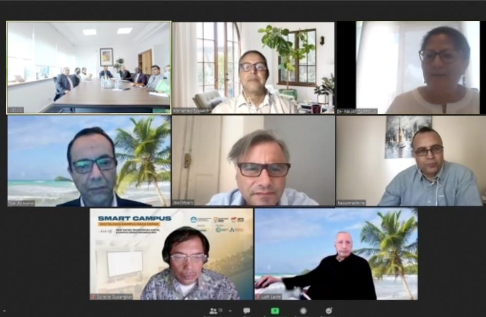 جانب من الاجتماع عبر تقنية الفيديو كونفرانس