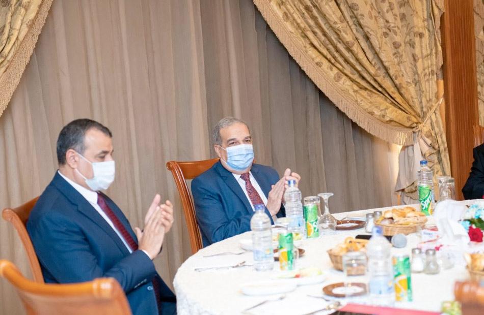 وزير الدولة للإنتاج الحربي يكرم الدكتور وحيد غريب