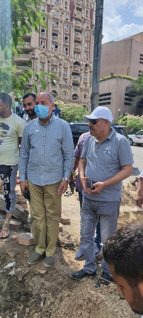 إصلاح كسر خط مياه الشرب في شارع الثورة بمدينة نصر