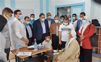 رئيس-جامعة-كفر-الشيخ-يتفقد-قافلة-الجزيرة-الخضراء-الطبية-ضمن-مبادرة-;حياة-كريمة;-|-صور
