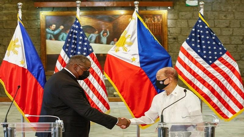 وزيرا دفاع أمريكا والفلبين يبحثان سبل تعزيز التحالف الثنائي