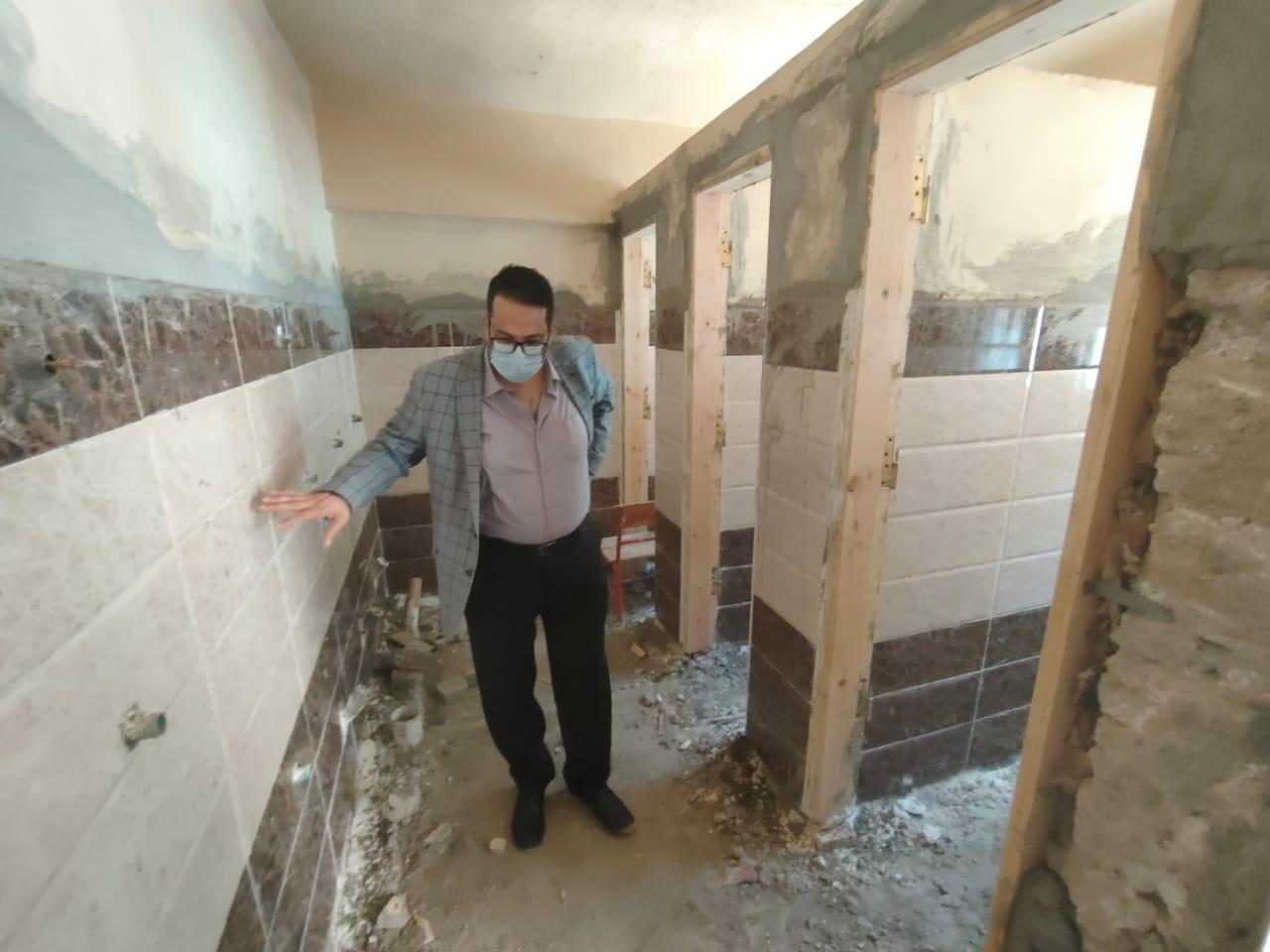 وكيل ;تعليم الغربية; يتفقد أعمال الصيانة الشاملة بمدرسة الإمام الشافعي للغات | صور