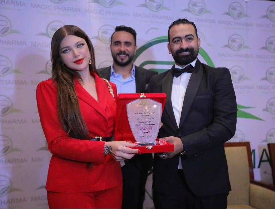 محمد نور وعايدة رياض وراندا البحيري ومروة عبدالمنعم يشاركون في مؤتمر عن التجميل | صور