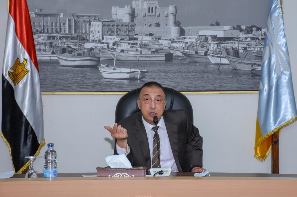 محافظ الإسكندرية يكلف رؤساء الأحياء بعقد لقاءات شهرية مع النواب