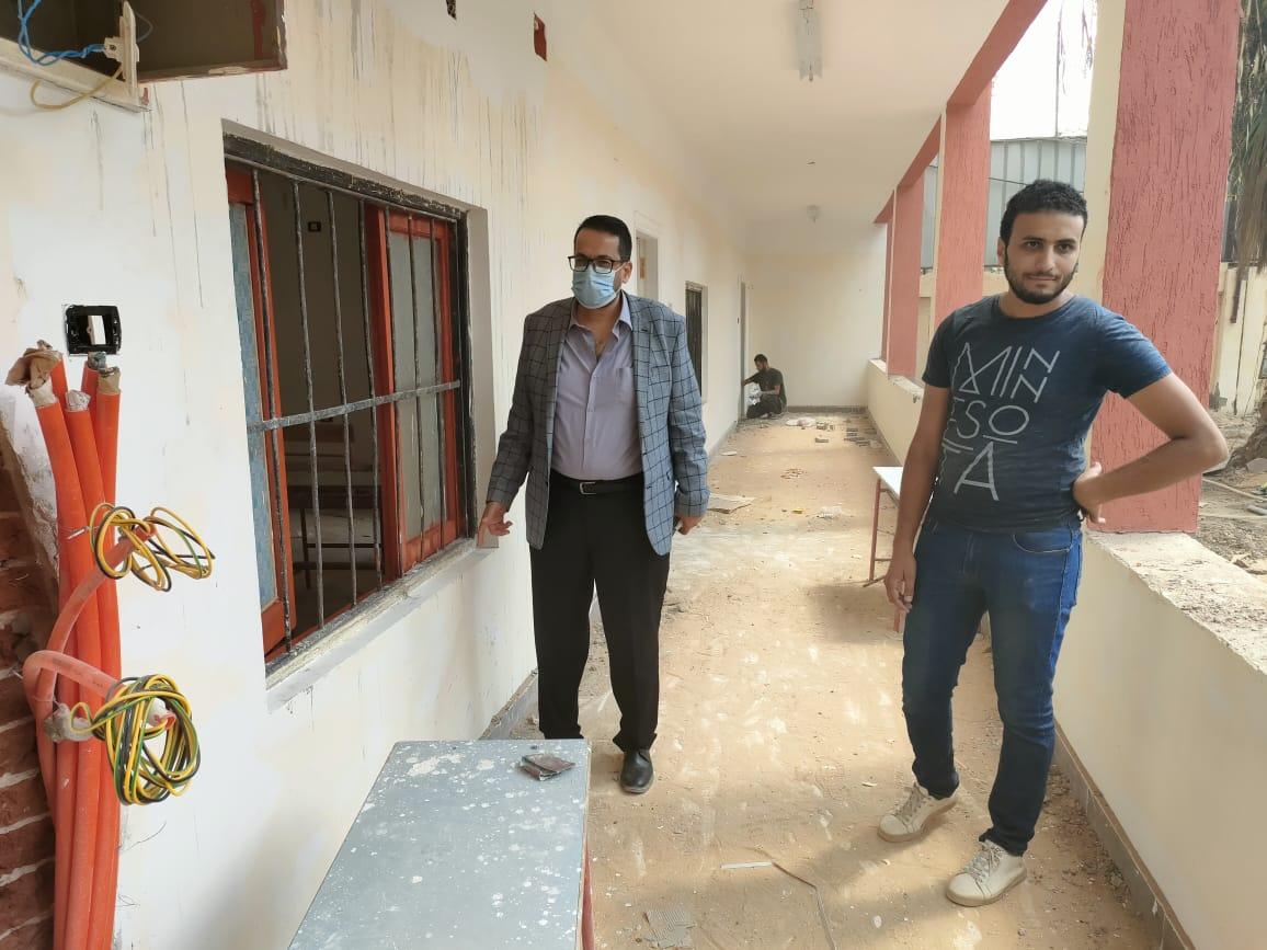 وكيل تعليم الغربية يتفقد أعمال الصيانة الشاملة بمدرسة الإمام الشافعي للغات