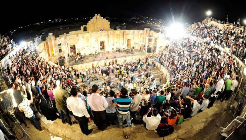 مدينة مزينة بالفرح  مهرجان  جرش للثقافة والفنون  ينطلق اليوم بالأردن في دورة استثنائية