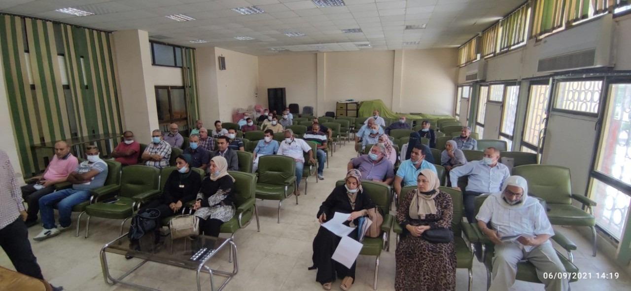 رئيس جهاز  برج العرب الجديدة  يلتقي سكان المدينة لبحث مقترحاتهم وشكاواهم|صور