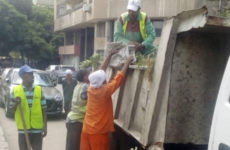 أخبار القاهرة حملات لرفع كفاءة النظافة بالشوارع في حي السيدة زينب