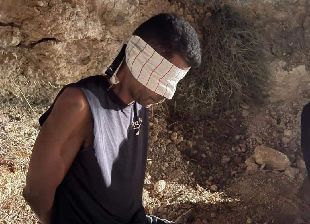 تقارير إعلامية نقل الأسير الفلسطيني زكريا الزبيدي لمركز طبي في حيفا