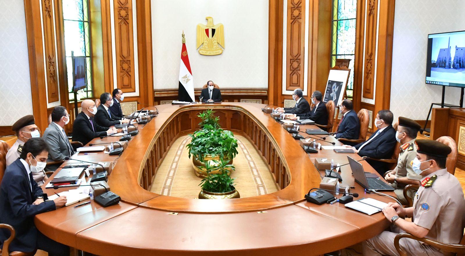 الرئيس السيسي يبحث مستجدات الموقف التنفيذي لمشروعات العاصمة الإدارية والمتحف المصري الكبير