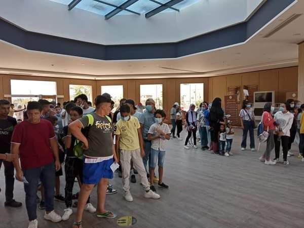 المشاركون في المعسكرات الصيفية لطلائع الجمهورية يزورون متحف الغردقة   صور