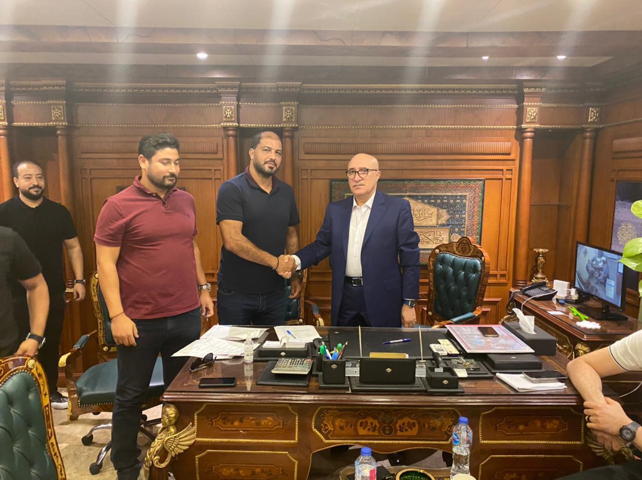 معين الشعباني يصل القاهرة استعدادا لقيادة المصري